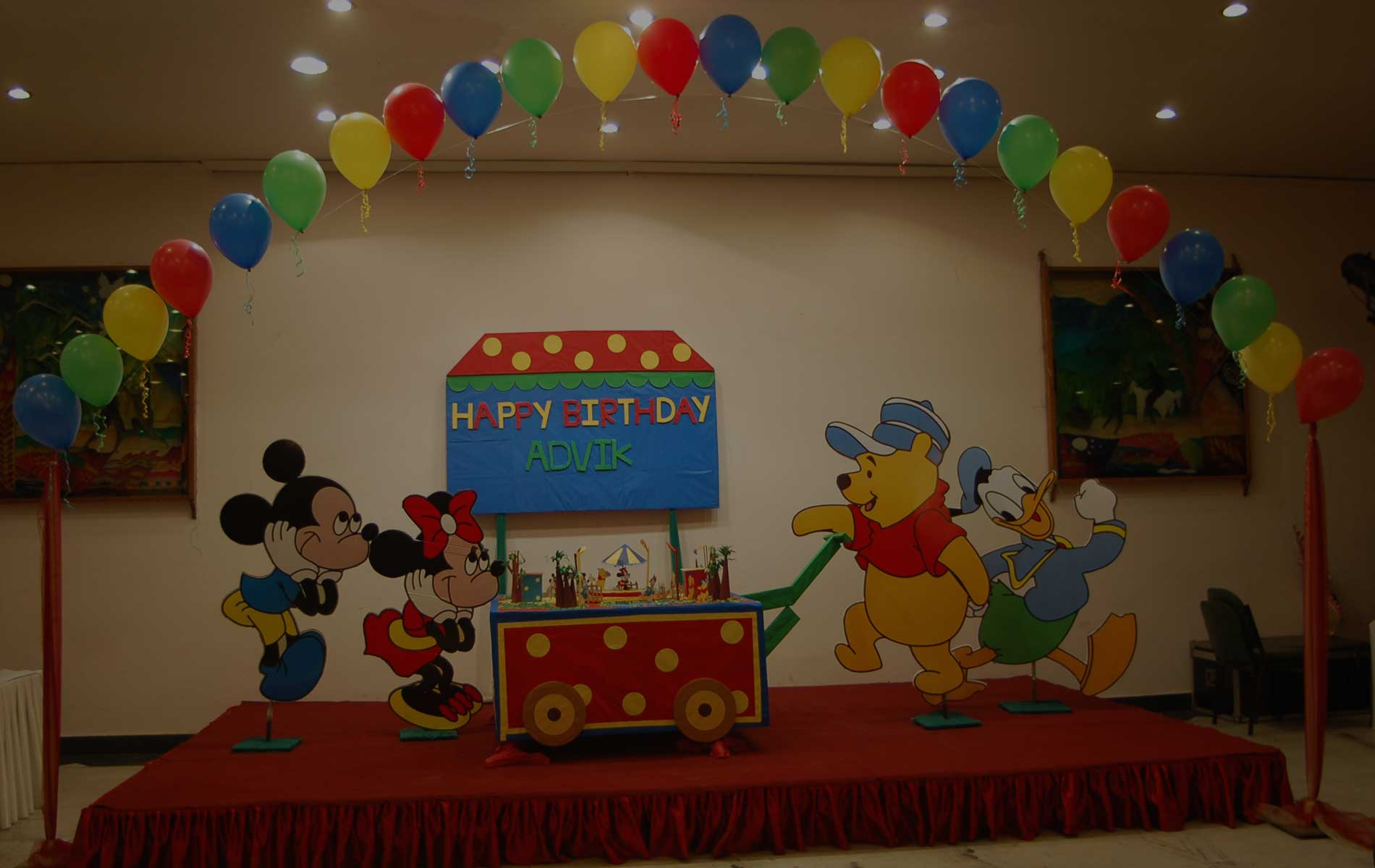 Contact us best balloon decoration birthday party for Balloon decoration in noida