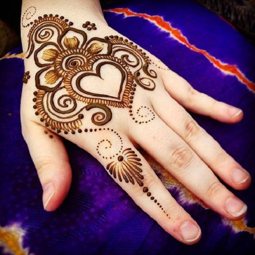 mehandi stall for parties in Delhi, Gurgaon, Noida and Faridabad